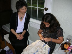 Tying Tzitzit with Mae